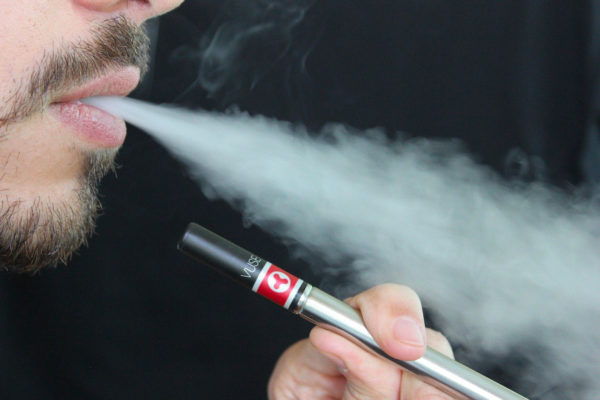 Quel âge faut-il pour acheter une cigarette électronique ?