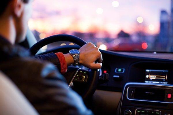 Apprendre à conduire : les étapes à suivre